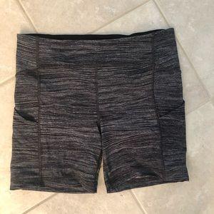 Sz 10 lululemon sole training shorts